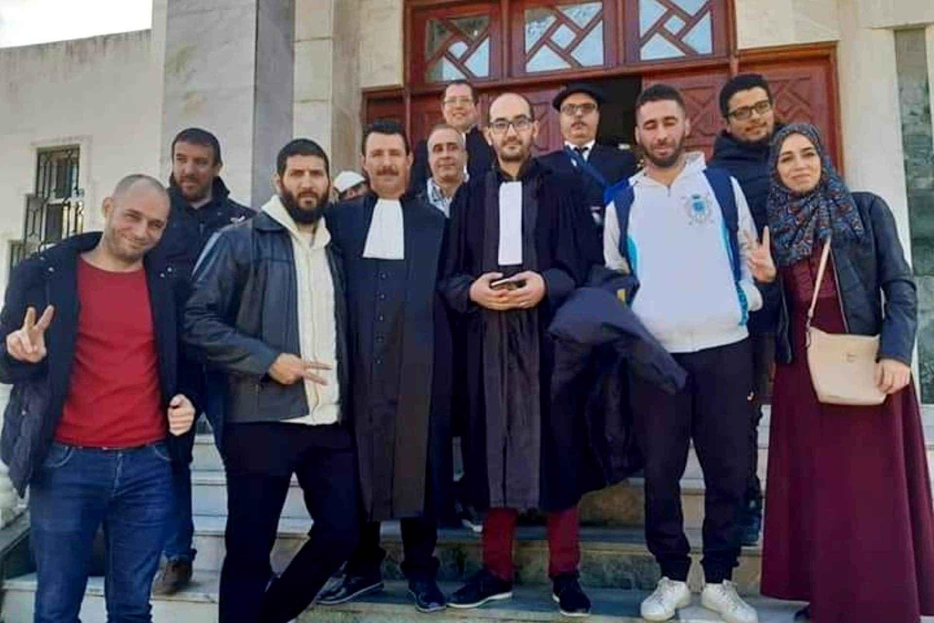 Samir Leftissi, le frère de Messaoud Leftissi, acquitté avec quatre autres manifestants par le tribunal de Skikda
